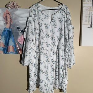 NWOT Glamourous Curve Size 24 Floral Ruffle Romper